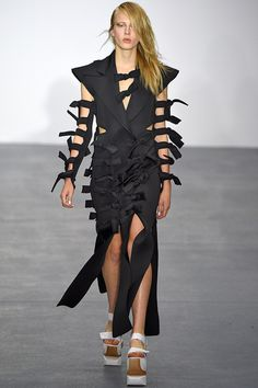 Fyodor Golan - Spring/Summer 2016 Ready-To-Wear - LFW (Vogue.co.uk) Back To Black, Spring Summer 2016, Haute Couture Fashion, Catwalk, Dress Shoes, Ready To Wear, Runway, Style Inspiration, Vogue