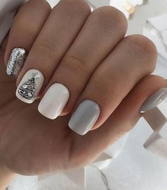 On average, the finger nails grow from 3 to millimeters per month. If it is difficult to change their growth rate, however, it is possible to cheat on their appearance and length through false nails. Hot Nail Designs, Nail Designs Pictures, Holiday Nails, Christmas Nails, Christmas Tree, Ny Nails, Christmas Nail Art Designs, Stylish Nails, Nail Shop