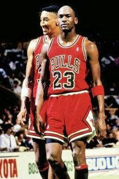 The GOAT and Scottie Pippen confident in Boston. Mike Jordan, Michael Jordan Pictures, Scottie Pippen, Dynamic Duos, Thanks For The Memories, Magic Johnson, Large Photos, Nba Players, Chicago Bulls