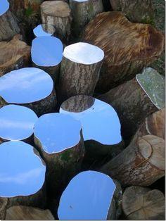 sculpture installation Lee Borthwick Mirror Installations and Sculptural Works in Wood. A couleur variable bien sr ! Land Art, Art Environnemental, Modern Art, Contemporary Art, Art Et Nature, Art Public, Instalation Art, Art Sculpture, Abstract Sculpture