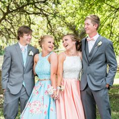 Baby Blue floral Prom dress with bestie Prom Pictures Couples, Homecoming Pictures, Prom Couples, Prom Photos, Dance Pictures, Prom Pics, Teen Couples, Homecoming Poses, Funny Couples