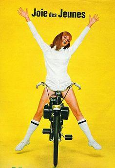La liberté chez les jeunes il y a quelques années: le vélo Solex ! Source