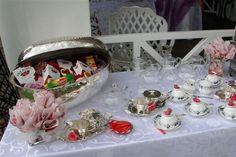 high tea High Tea, Snow Globes, Catering, Decorative Boxes, Villa, Home Decor, Tea, Tea Time, Decoration Home