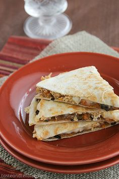 An easy, 5 ingredient recipe for quesadillas with sweet potatoes, black beans and chicken.  Photo updated May 2012 One thing that I realized while watching my sister's 5 kids over the past week is that I don't really know how to cook for children. Especially when I don't [...]