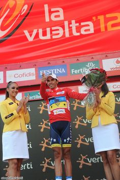 Alberto Contador (Saxo Bank-Tinkoff Bank) issued the first pistol salute after his return to cycling with his competition effectively dead (2nd Valvarde + 1:52, 3rd Rodriguez + 2:28) with four stages remaining