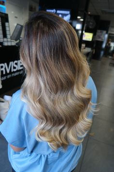 #balayage #extensions #greatlenghts ##longhair #thick #shine #haircolor #olaplex #healthyhair #waves #haarvisie #haarvisierijswijk #hairstyles #hairstyles2017 Top Stylist, Healthy Hair, Latest Fashion Trends, Balayage Extensions, Hair Care, Stylists, Hair Makeup, Hair Color, Make Up