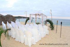 Montaje para tu ceremonia, ideal para tu boda en playa por Bodas Huatulco