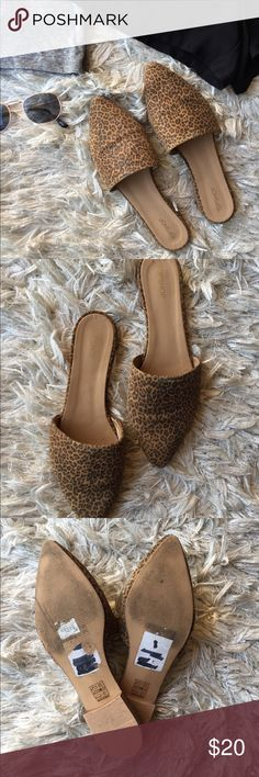 Topshop Cheetah Print Mules Cheetah print mules by Topshop  Size 8 Women Narrow Fit Worn a handful of times  Lots of wear still! Topshop Shoes Mules & Clogs