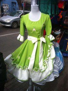 Vestidos de huasa mayor y detalle
