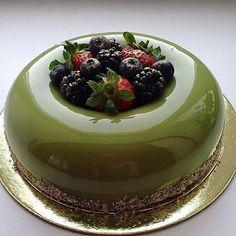 Zdjęcie numer 4 w galerii - Kiedy zobaczycie, jakie torty robi ta Rosjanka, oszalejecie na ich punkcie. Są zbyt idealne, żeby je zjeść!