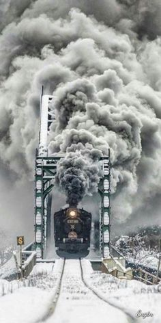 STEAM VS SNOW Gardeners in snowy regions have plenty of reasons to get cold feet about winter: Plants are at rest and their bright colors dissipate, l. Train Pictures, Cool Pictures, Cool Photos, Train Tracks, Train Rides, Motor A Vapor, Old Steam Train, Railroad Photography, Train Art