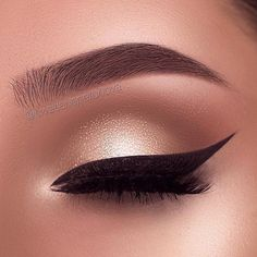 Gorgeous Smokey Eyes Which one is your favourite? 123 Swipe to to. For see more of fitness life images visit us on our website ! Shimmer Eyeshadow Palette, Natural Eyeshadow, Cream Eyeshadow, Glitter Eyeshadow, Eyeshadow Looks, Eyeshadow Makeup, Halo Eye Makeup, Makeup Deals, Blush