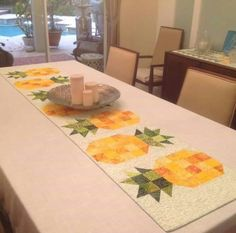 Table Runner And Placemats, Table Runner Pattern, Quilted Table Runners, Small Quilts, Mini Quilts, Quilting Projects, Quilting Ideas, Quilt Patterns, Sewing Projects