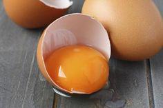 is egg yolk good for hair