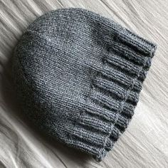 Basic hat pattern (adult) - Nerdy girl knits