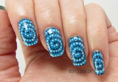 Blue Spiral Nails mit Boat Trip (P2, Color Victim Nail Polish)