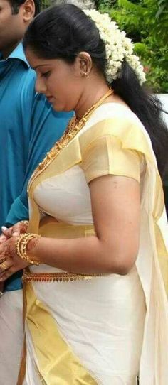 Beautiful Women Over 40, Beautiful Girl Indian, Most Beautiful Indian Actress, Beautiful Roses, Bollywood Actress Hot Photos, Beautiful Bollywood Actress, Bollywood Girls, Arabian Beauty Women, Desi Girl Image