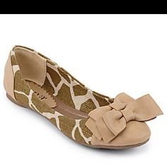 Giraffe shoes from JcPenney! Flats for reception?