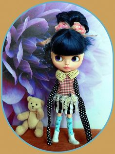 4 piece Blythe doll outfit, extra long sleeves top, trousers, dress hanger, socks  http://www.ebay.co.uk/itm/-/262709751216