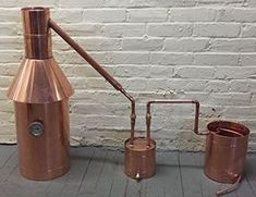 When SHTF, you need to be prepared for anything so learn how to make a moonshine still and why you need to at home or for survival! Moonshine Still Plans, Copper Moonshine Still, How To Make Moonshine, Making Moonshine, Moonshine Recipe, Homemade Alcohol, Homemade Liquor, Homemade Whiskey, Beer Brewing