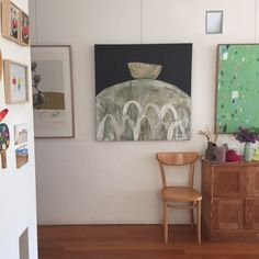 So good to see my painting in its lovely new home @vbean and @birds_gallery_melbourne thank you #interiordesign #art #interiorstyle ngaiolenz