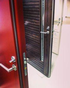 Upea Domuksen #ovi - ja #ikkunanäyttely TaloTalossa, tervetuloa tutustumaan ja jututtamaan alan asiantuntijoita! #Domus #kaski #ulkoovi #parvekeovi #liukuovi #inspiration #näyttely #koti #rakentaminen #remontointi #talotalo @talo__talo