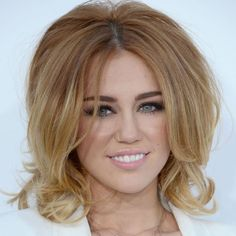 i am CRAZY for this hair. CRAZY. i want to immediately start growing the hair i had chopped off