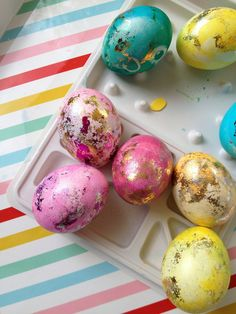 DIY Gilded Easter eggs from Pencil Shavings Blog #DIY #Easter