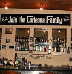 Pub Omerta to lokal idealny dla wielbicieli klimatów gangsterskich, a przede wszystkim Ojca Chrzestnego.