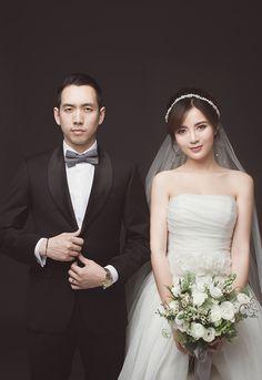 dam cuoi hot girl tu linh 5 - Dia diem chup anh cuoi dep o phu yen - Wedd Pre Wedding Poses, Bridal Poses, Pre Wedding Photoshoot, Wedding Pics, Bridal Portraits, Wedding Shoot, Wedding Couples, Wedding Dresses, Korean Wedding