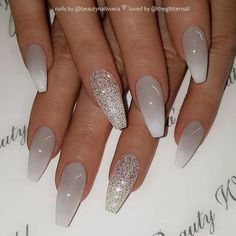 Gray to white ombre and glitter on coffin nails Nail artist .- Gray to white ombre and glitter on coffin nails Nail Artist b - Matte White Nails, Grey Acrylic Nails, Mauve Nails, Gray Nails, Glitter Nails, Stiletto Nails, White Manicure, Acrylic Nails For Summer Glitter, Nail Pink