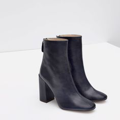 Image 4 of LEATHER ANKLE BOOT WITH BLOCK HEEL from Zara