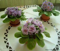 Como hacer las flores en porcelana fría.           ( violetas )