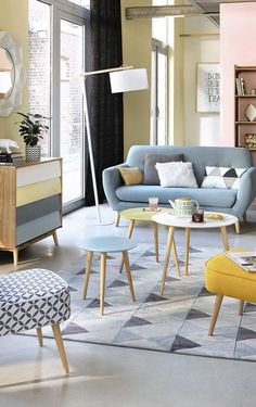 Dekoration Wohnung - Pastel living room inspiration with scandinavian style Pastel Living Room, Retro Living Rooms, Living Room Modern, Living Room Interior, Living Room Designs, Living Room Decor, Modern Couch, Cozy Living, Living Area