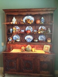 Delicieux One Of My Dining Room Hutches Decorated For Fall