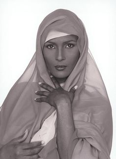 Waris Dirie - Photo - Fashion Model