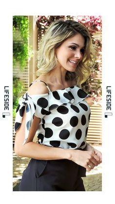 LIFESIDE, Moda Feminina Primavera Verão 2019. Blusa poá preta. Blusa com babado. Short alfaiataria. #ModaFeminina #LookDoDia #Looks #ModaPrimaveraVerao #Lifeside #Lookbook - Salvabrani