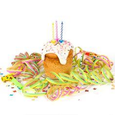 Best Kuchen im Glas Geburtstagskuchen fertig gebacken mit Glasur Streuseln und Kerzen Auch