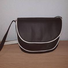 Filauchette 🧵🥢 sur Instagram: Mon sac bandoulière de cet hiver : le #Musette de chez #sacotin 🤩 Besace à double rabat, ce sac est super pratique car il est vaste et se…