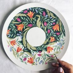 Many people who are interested in pottery find themselves searching for ways to improve their craft, whether they're just getting started or have been p. Pottery Plates, Ceramic Pottery, Pottery Art, Pottery Painting Designs, Pottery Designs, China Painting, Ceramic Painting, Ceramic Clay, Ceramic Plates