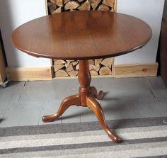 18th Century Oak Tilt-top Pedestal Table