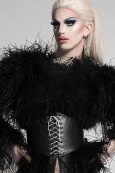 Aquaria • RuPaul's Drag Race • Winner of Season 10 Rupaul Drag Race Winners, Trinity Taylor, Drag Queen Outfits, Rupaul Drag Queen, Violet Chachki, Princess Beauty, Adore Delano, Drag King, Love Your Hair