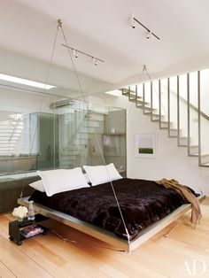 17 Sumptuous Bedrooms Perfect for Wintertime Lounging Photos  Pin añadido por Recycled Mirrors