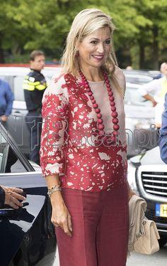 Roi Willem Alexander et la reine Maxima ont assisté au match d'ouverture de l'Euro de football féminin entre les Pays Bas et la Norvège, à Utrecht, 17 Juliet 2017