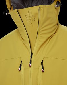 Sport Fashion, Womens Fashion, Fashion Details, Fashion Design, Style Casual, Mens Activewear, Spring Fashion Trends, Well Dressed Men, Moncler
