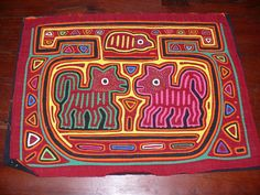 VINTAGE LATE 70'S MOLA ANIMAL DESIGN MULTIPLE LAYERS - TINY STICHING