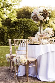 Gorgeous pink and gold tablescape