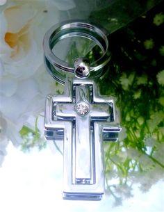 Bomboniere Silver Cross Keyring w Diamante