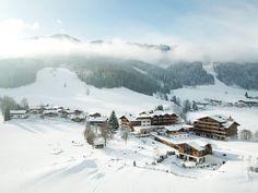 Hubschrauberrundflüge in Leogang, direkt bis ins PURADIES. #puradies #leogang #austria #helicopter #charterflight #winter #vacation #holiday