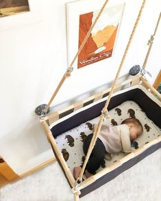 chairs - Swinging baby cradle by Hussh Antracite Check our lower pricing on www husshcradles com Baby Hammock, Baby Swings, Baby Bedroom, Kids Bedroom, Astuces Camping-car, Hanging Cradle, Packing List Beach, Diy Bebe, Comfort Mattress